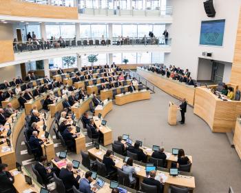 Seimas įteisino egzilio sąlygomis Lietuvoje veikiančių aukštųjų mokyklų statusą